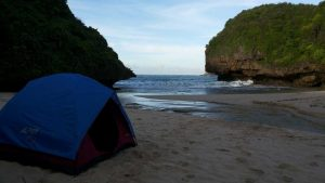 Camping-Pantai-Greweng