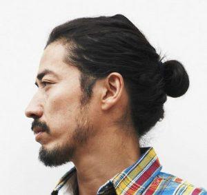 gaya rambut panjang ala ninja man bun