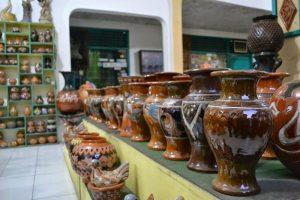 kerajinan keramik modern