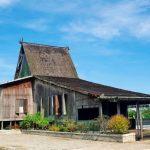 Rumah Adat Bubungan Tinggi Banjar Khas Kalimantan Selatan