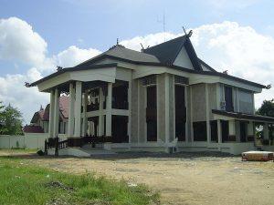 Rumah Adat Gajah Baliku