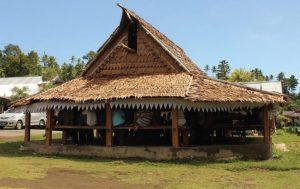 Rumah Sasadu Adat Maluku