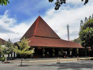 Rumah Adat Indonesia Tajug