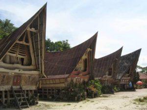 Rumah Adat Papua Rumsram